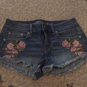American eagle rose embroidered shorts size 0
